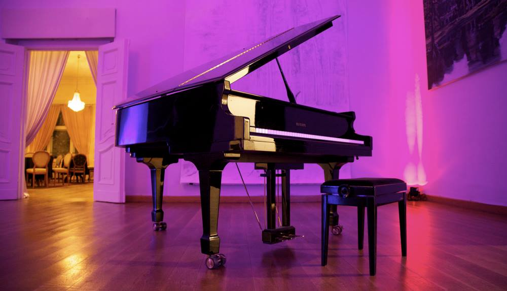 Loewenpalais Klavier